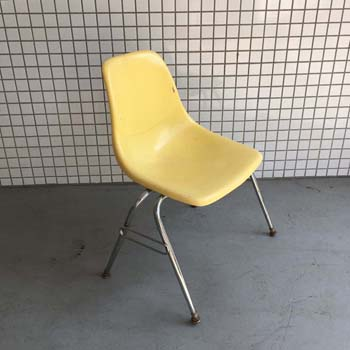 OC18 Stkg Chair Yellow